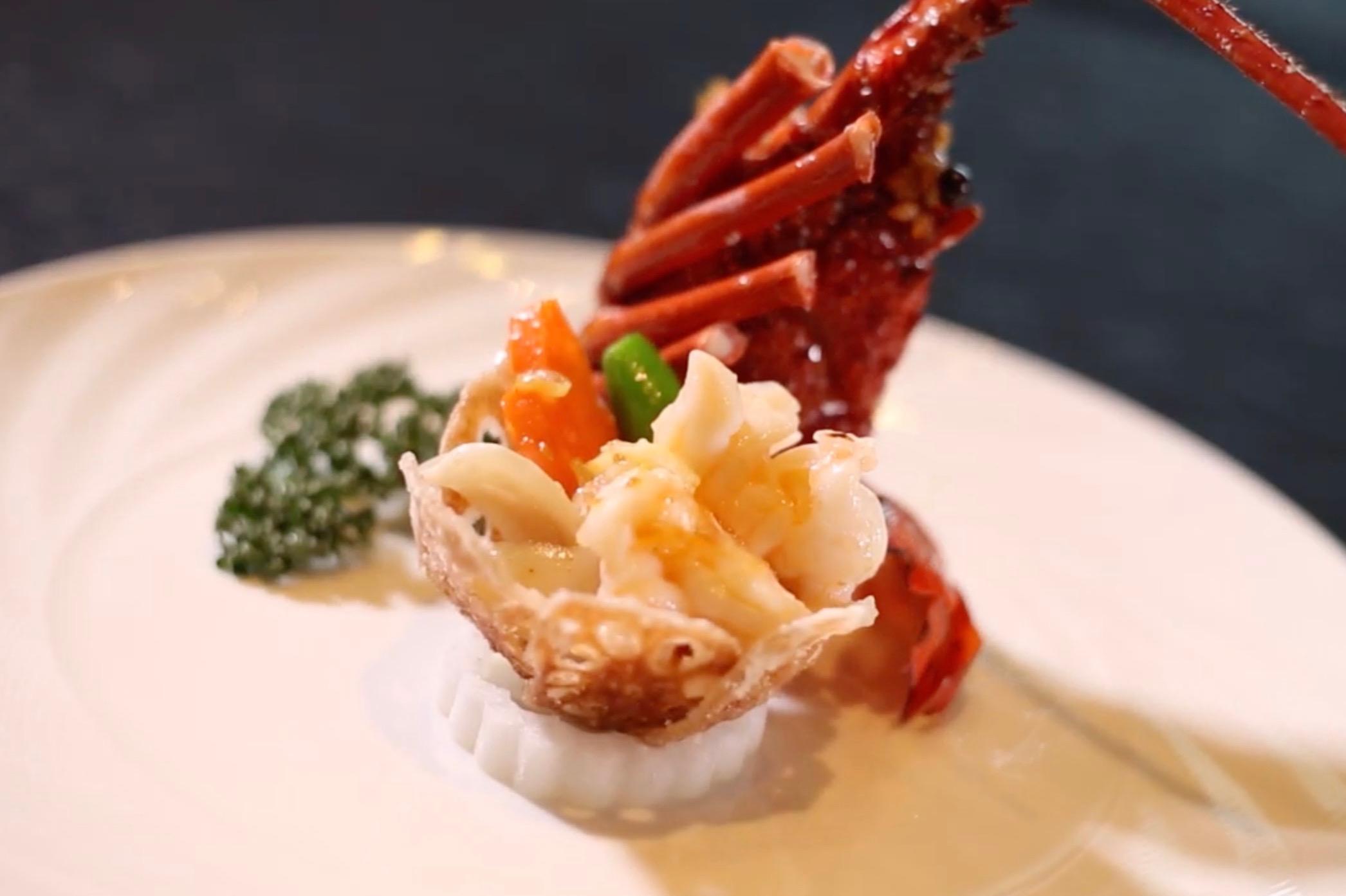 伊勢海老のむき身炒め 中国料理「故宮」