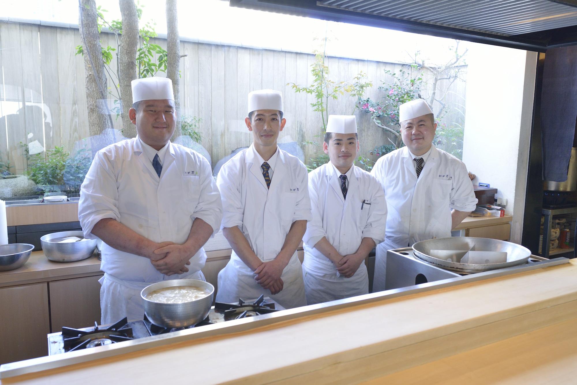Man'u Bekkan Toshihiro Yoshida & staff