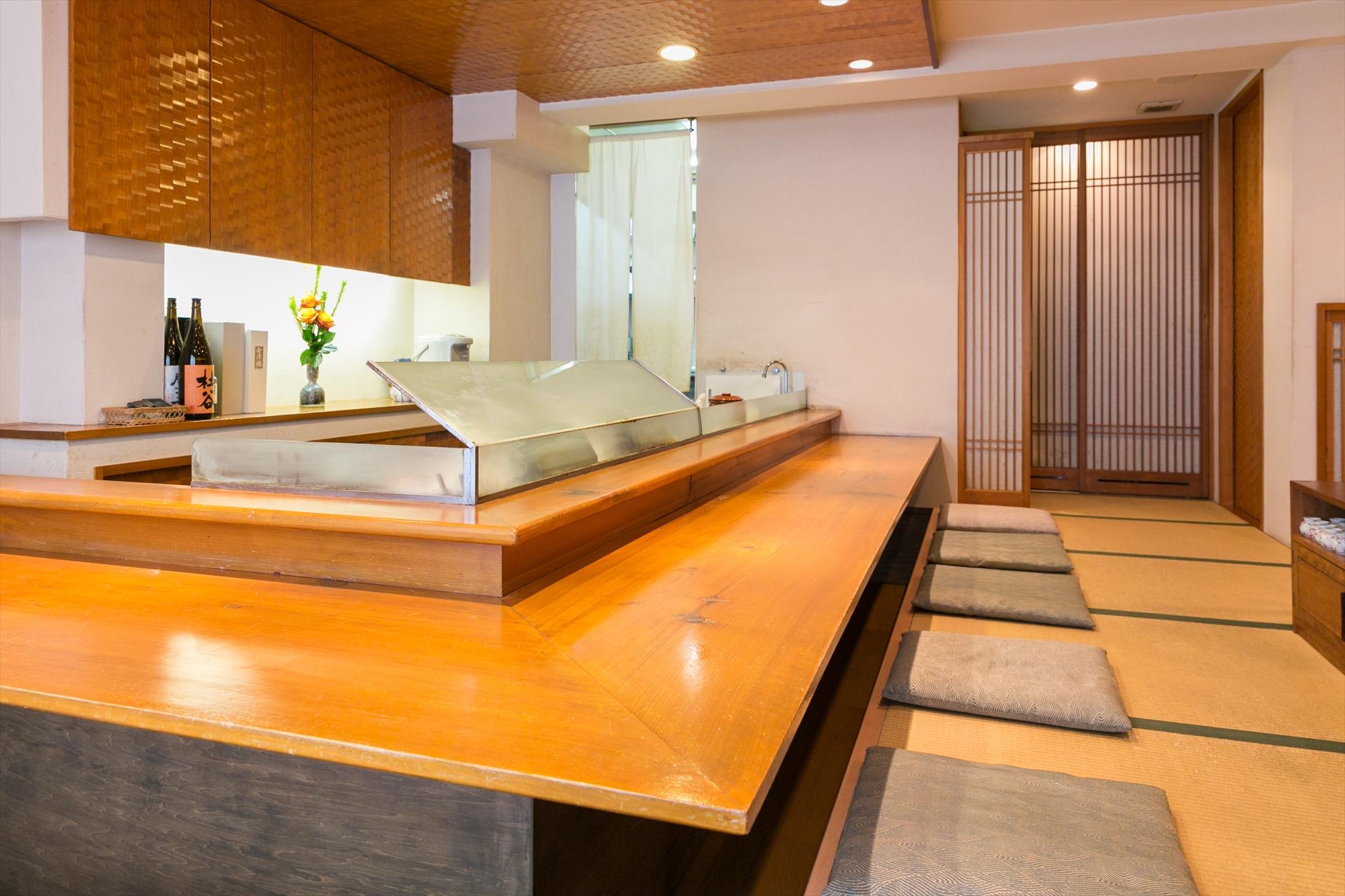 Tempra Hiraishi counter-seat