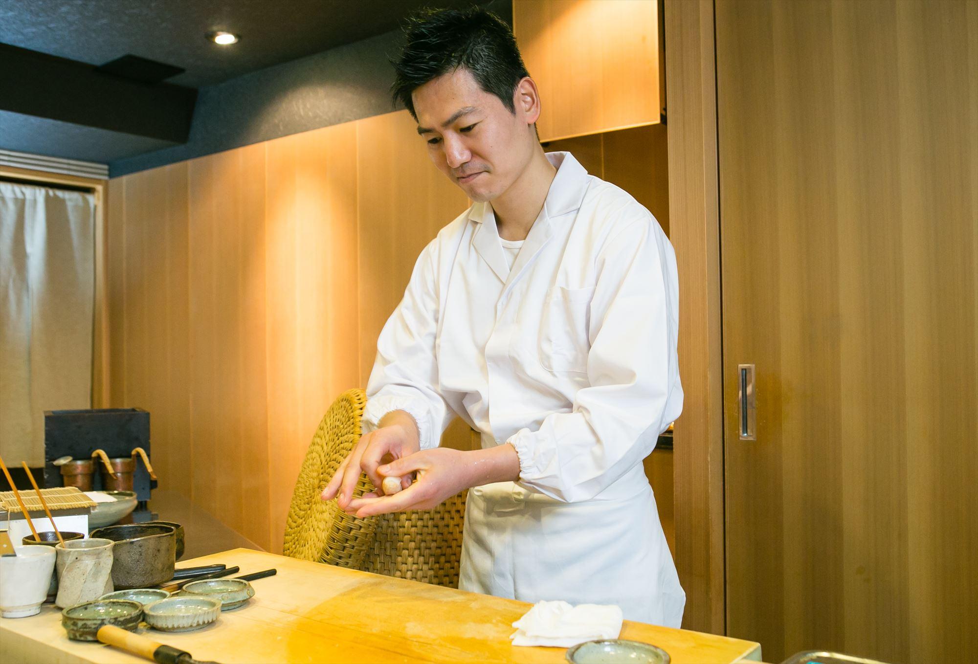 Sushi-Hoshiyama Tadashi Hoshiyama Hand-rolled sushi