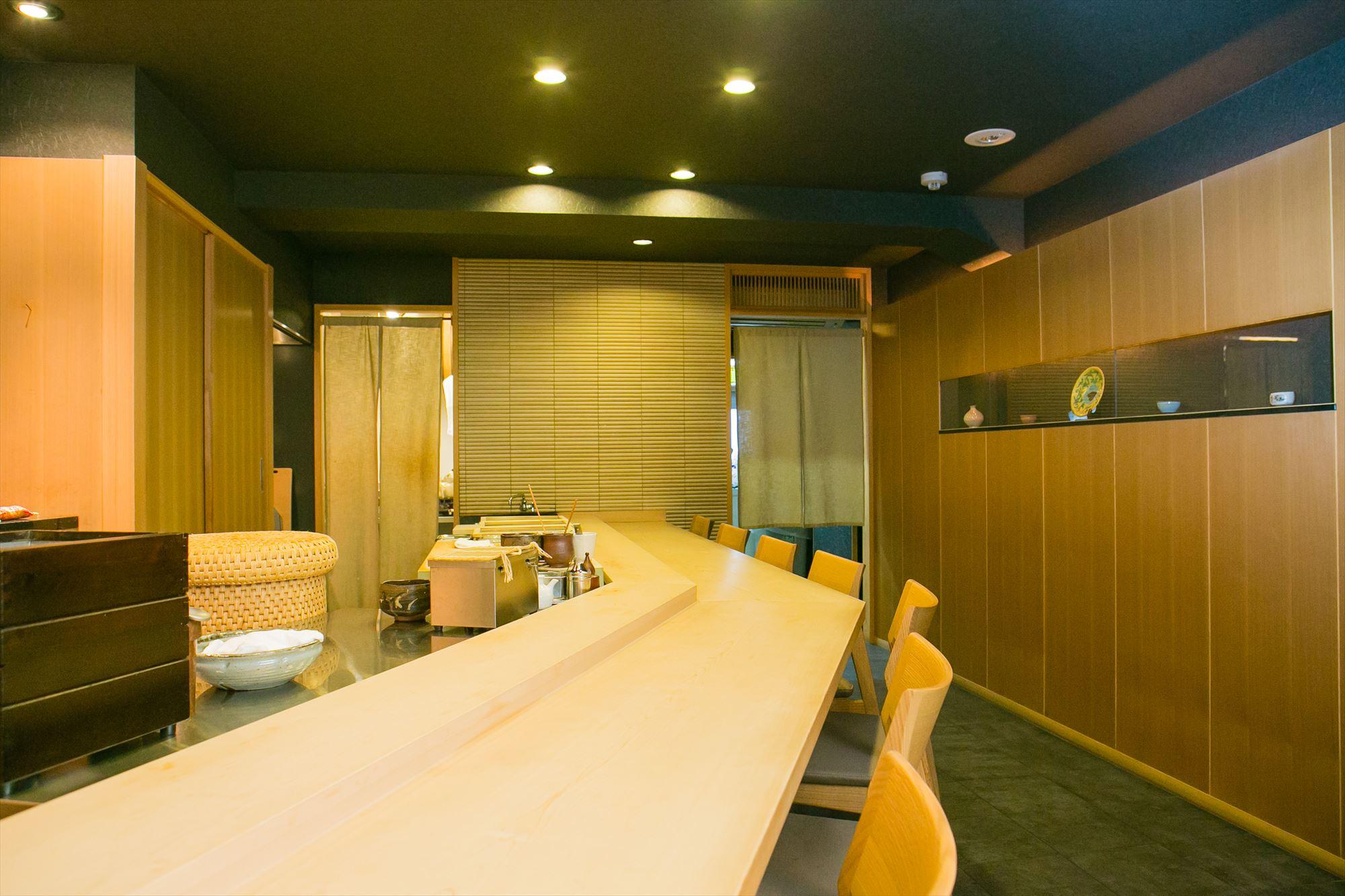 Sushi-Hoshiyama interior