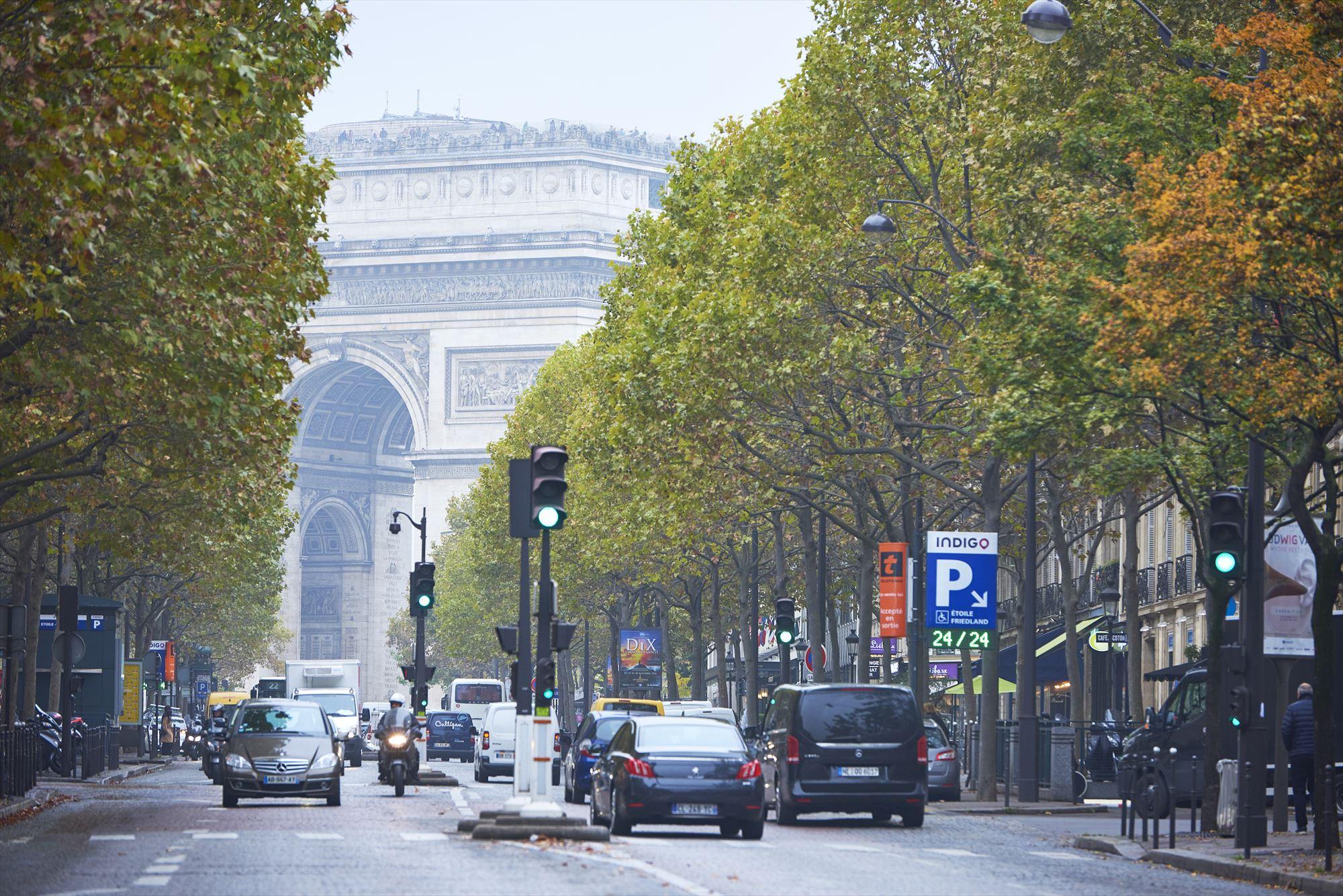 Taillevent paris street