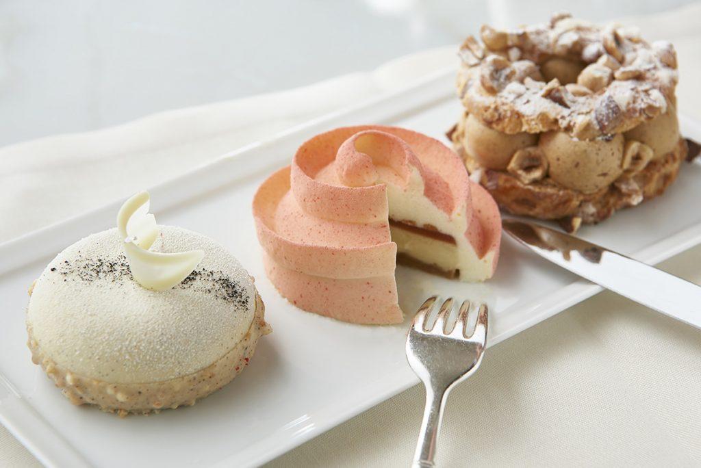 Hôtel Plaza Athénée Paris sweets