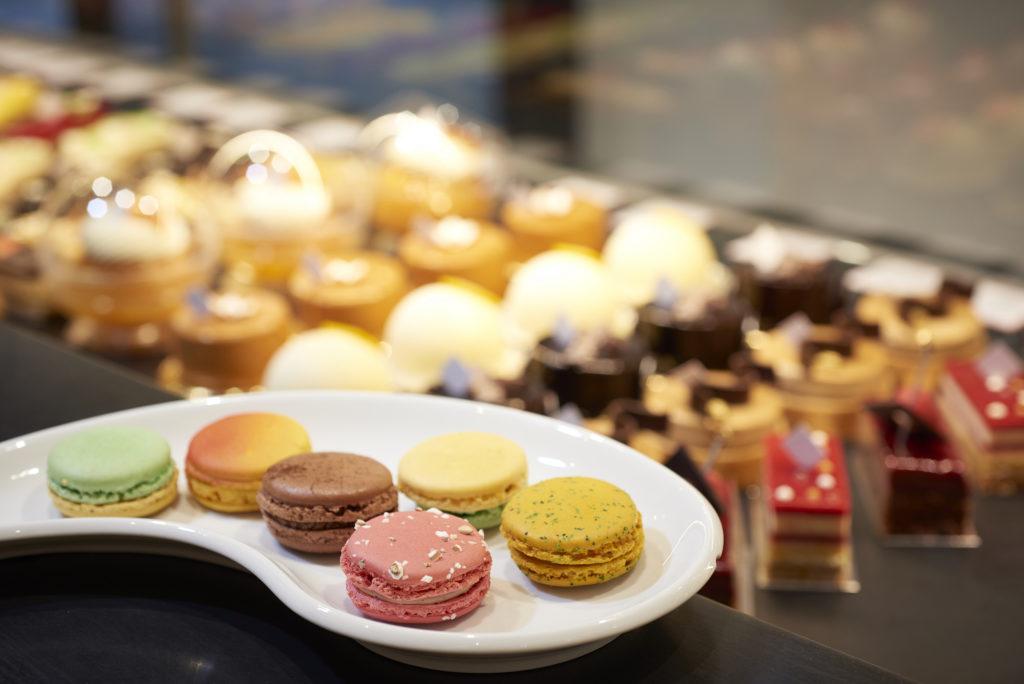 ARNAUD LARHER Pâtissier Chocolatier à Paris Macaron