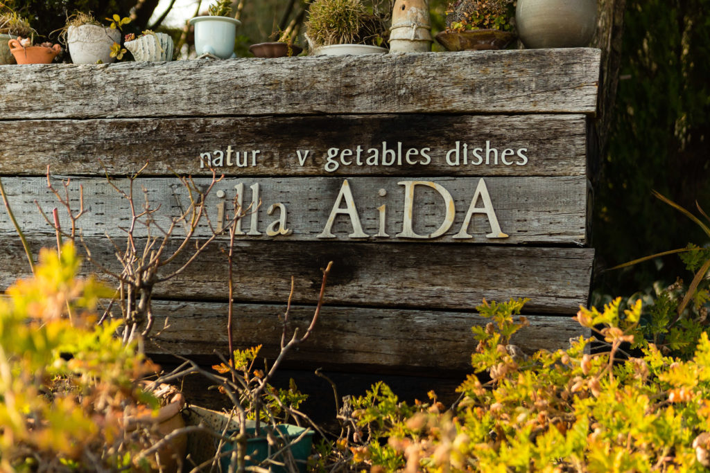Villa Aida nameplate