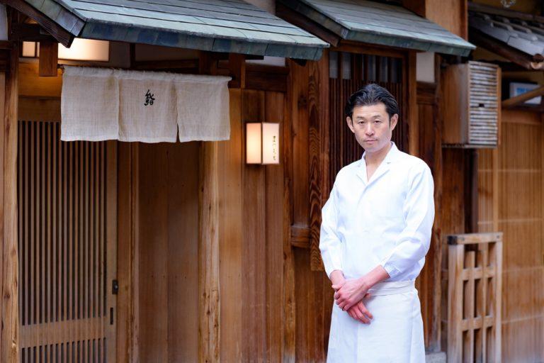 妥協を許さない繊細な技と心。京都祇園で花開いた、硬派な江戸前の職人気質