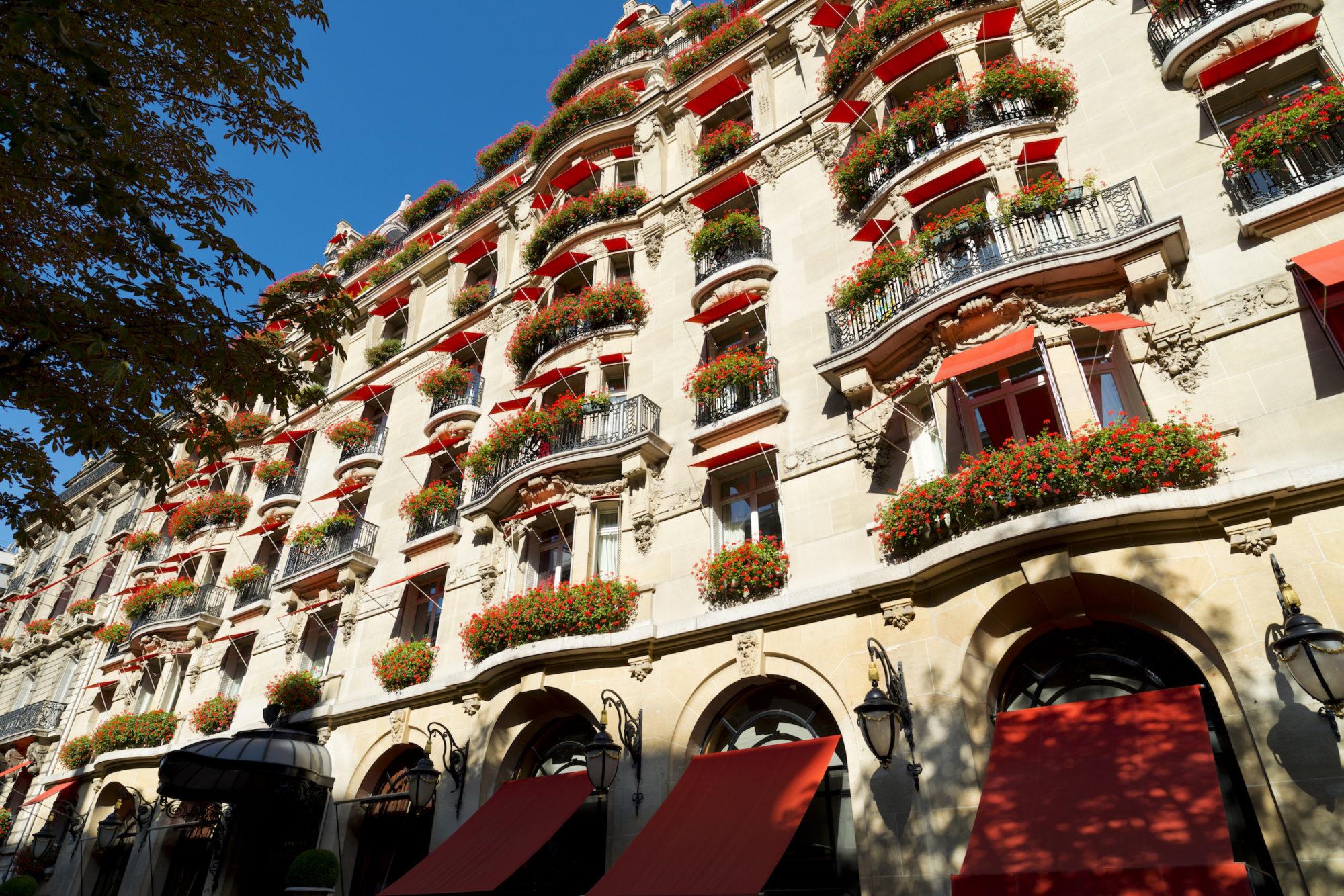 Hôtel Plaza Athénée Paris(ホテル プラザアテネ)外観