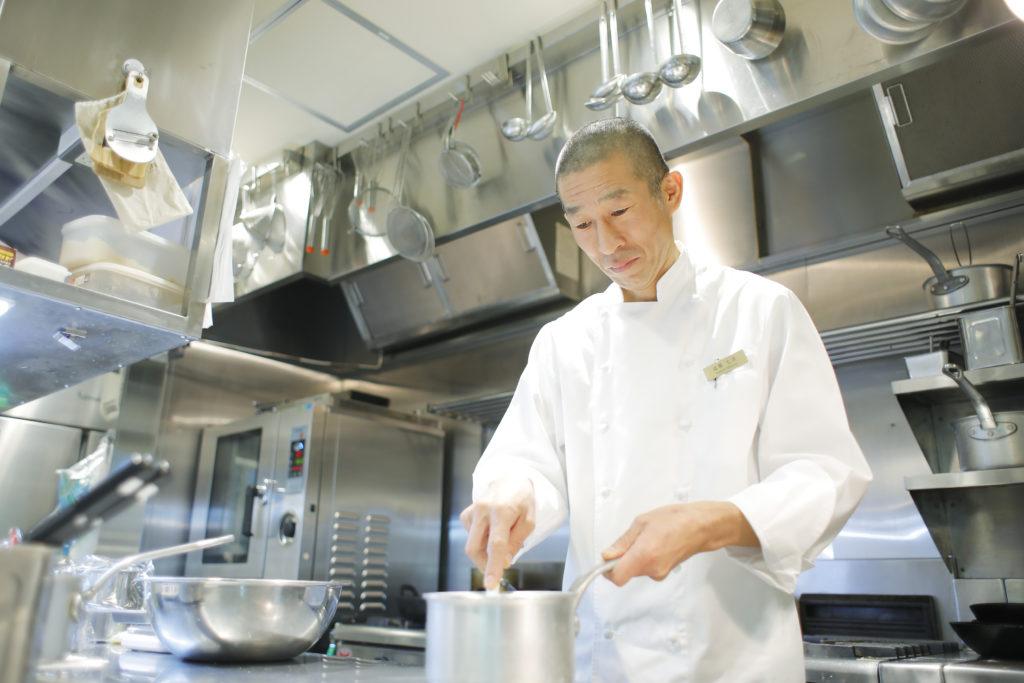 RESTAURANT NANPEIDAI(レストラン ナンペイダイ)高橋七洋 厨房