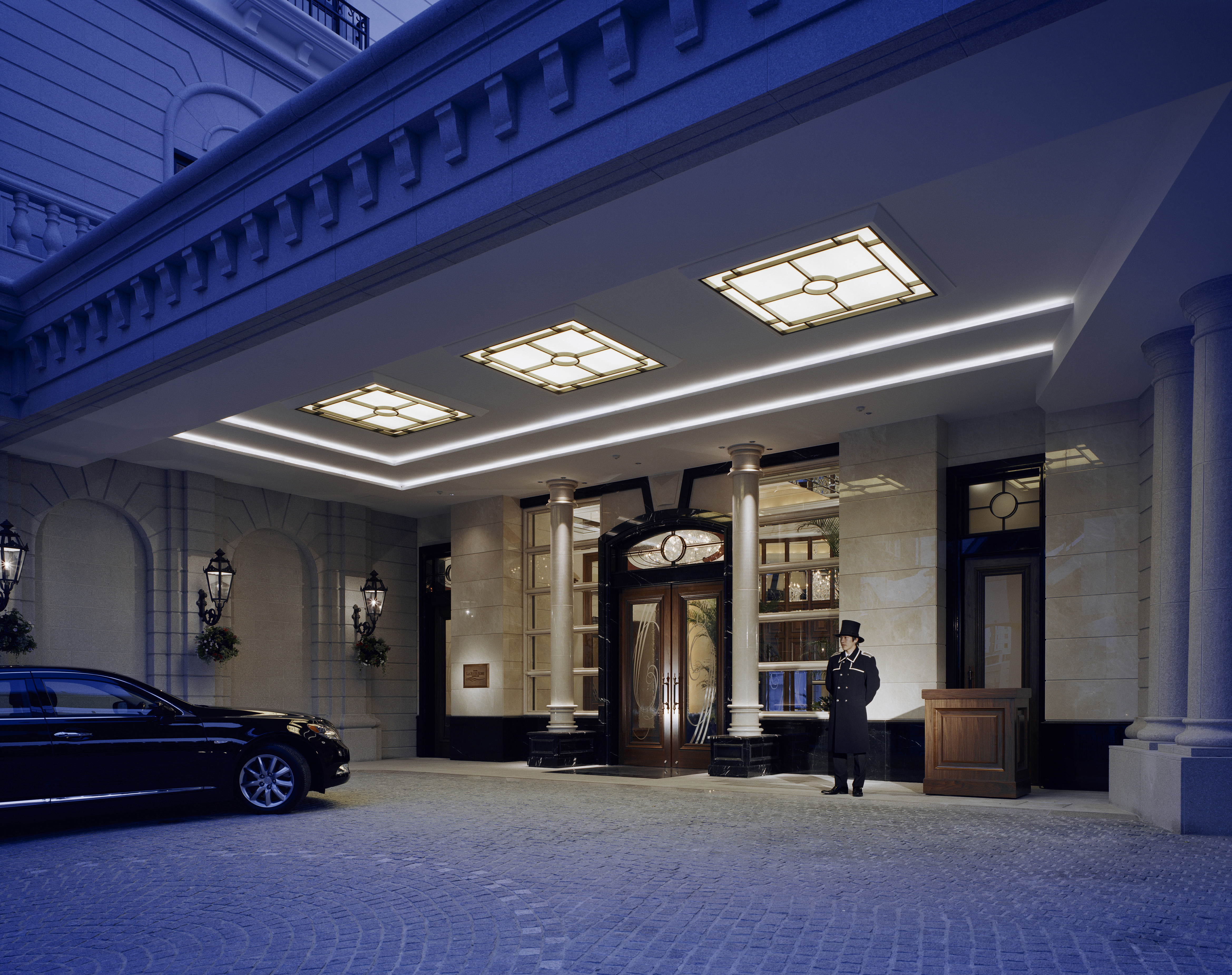 ホテル ラ・スイート神戸ハーバーランド エントランス
