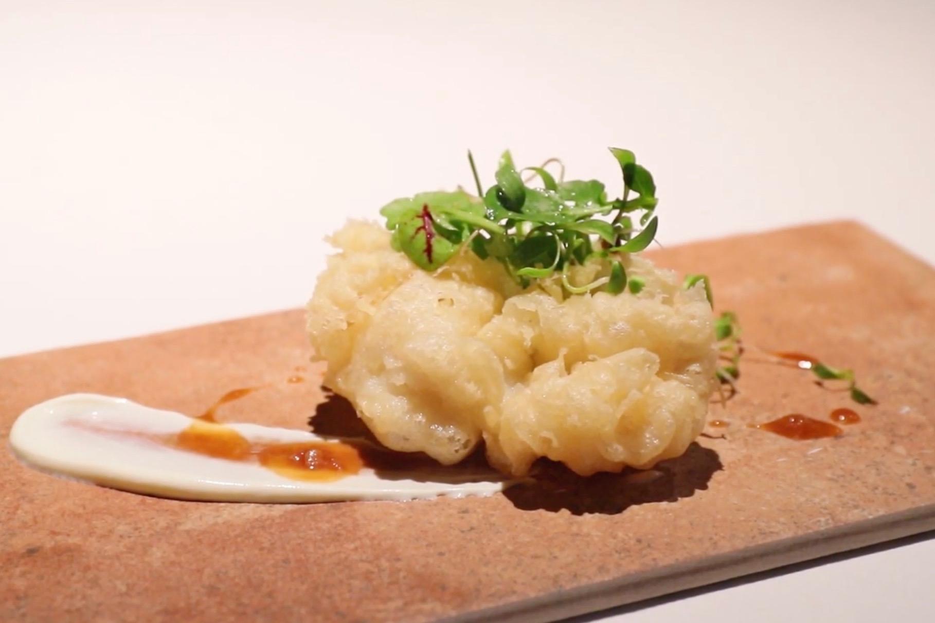 鱧のベニエ|Restaurant MOTOI