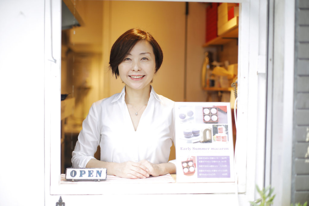 le petit coeur(ル・プチ・クール)店頭での川村祥子さんの写真