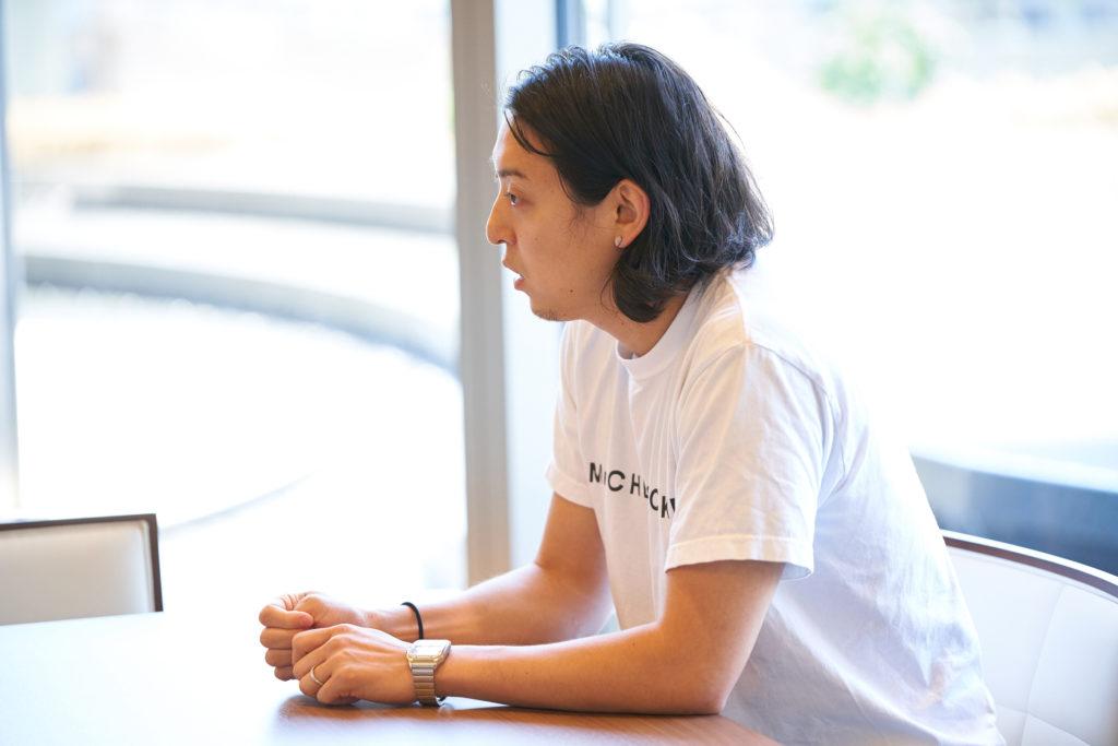 Mr. CHEESECAKEの田村浩二氏の横顔写真