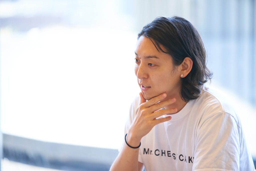 はにかむMr. CHEESECAKEの田村浩二氏の写真