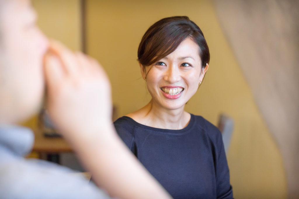 微笑むINFLORESCENCE廣田友香